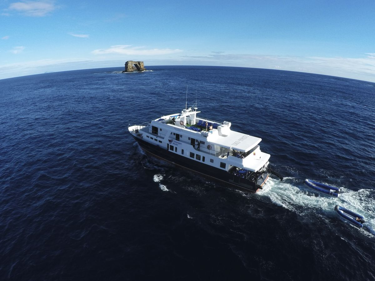 Galapagos Master liveaboard and Darwin's Arch