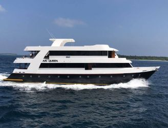 Ari Queen diving liveaboard in Maldives