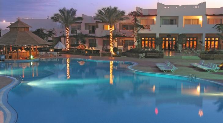 Mexicana Hotel Evening
